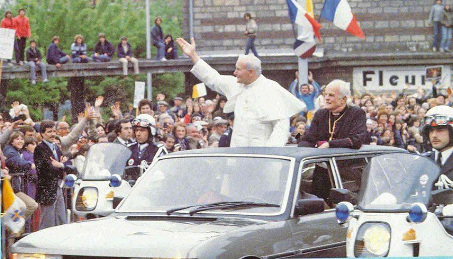 Un Peugeot 604 para Juan Pablo II