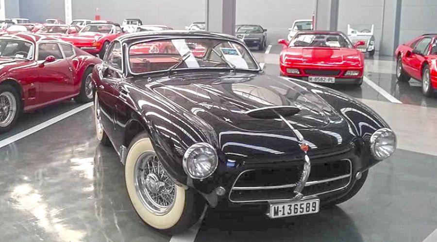 Se vende colección de coches por 45 millones en Galicia