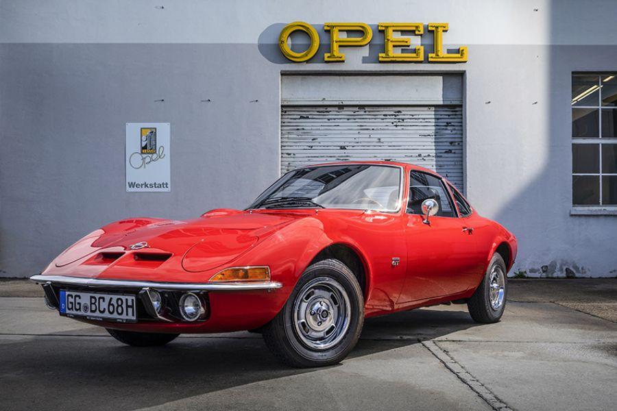 50 años del Opel GT: Solo volar es más divertido