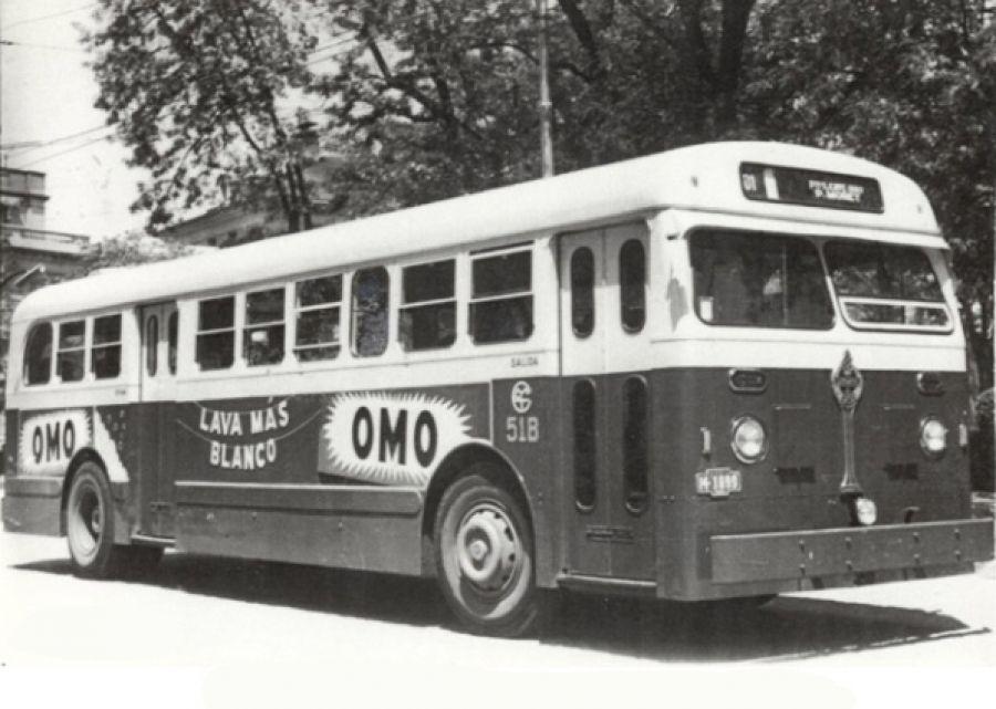 El Bus Leyland de 3 puertas